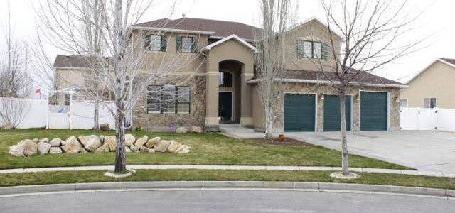 Beautiful well kept 6 Bedroom 3.5 Bath South Jordan home on a cul-de-sac. Spacious open living room, large kitchen with lots of cabinet space, Fireplace in the Large Master Bedroom and Bathroom, Master Bath his huge with a large jetted tub and large walk in closet, Mother-in-law with 2nd kitchen in basement, Oversized third car garage, tons of parking including RV parking, Covered back patio, beautiful back yard with a large storage shed